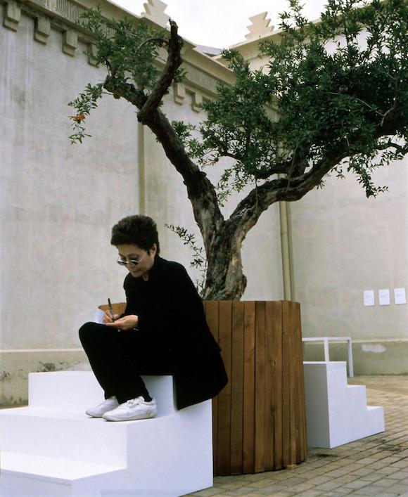 """YOKO ONO PRESENTA EN MÉXICO """"TIERRA DE ESPERANZA"""" EN EL MUSEO MEMORIA Y TOLERANCIA"""
