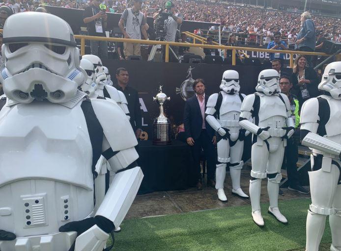 STORMTROOPERS Resguardan copa de fútbol en sudamérica