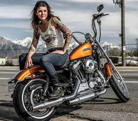 Chicas sexies en motocicletas