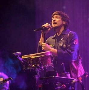 LEÓN LARREGUIFinaliza su gira Voluma abarrotando por sexta ocasión  el Teatro Metropólitan