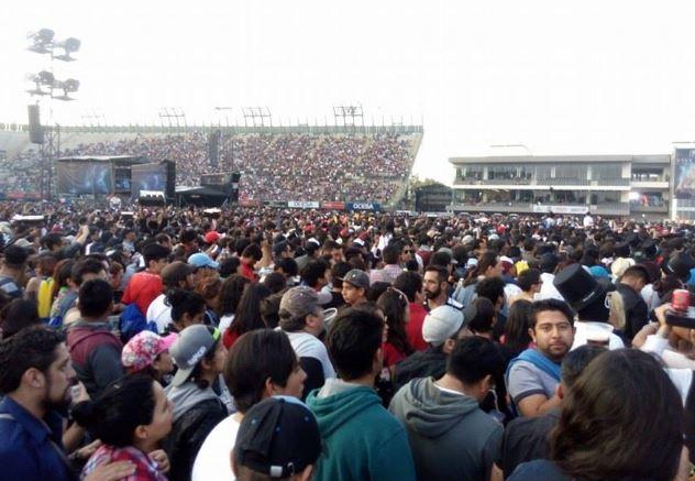 VIVE LATINO 2017El punk y la nostalgia triunfan - Reseña Día 2