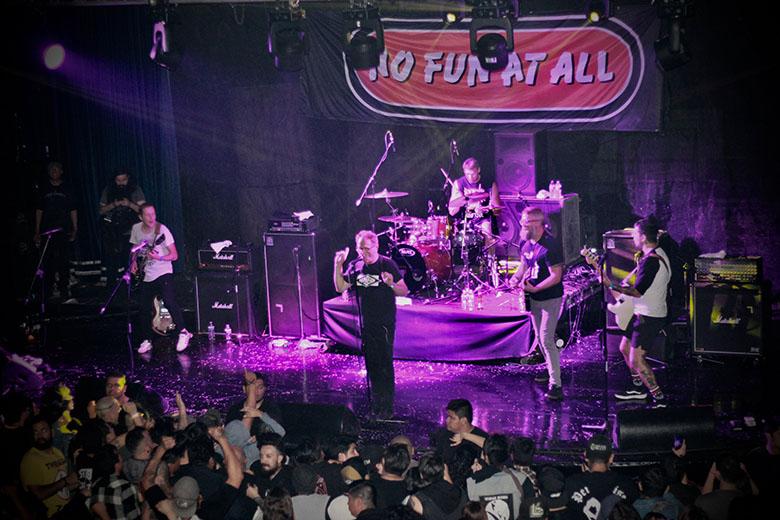 Off LimitsReseña - el renacimiento de una escena, off limits, foro 360e, punk, rock, hardcore, festival, underground, no fun at all, CDMX, hermandad