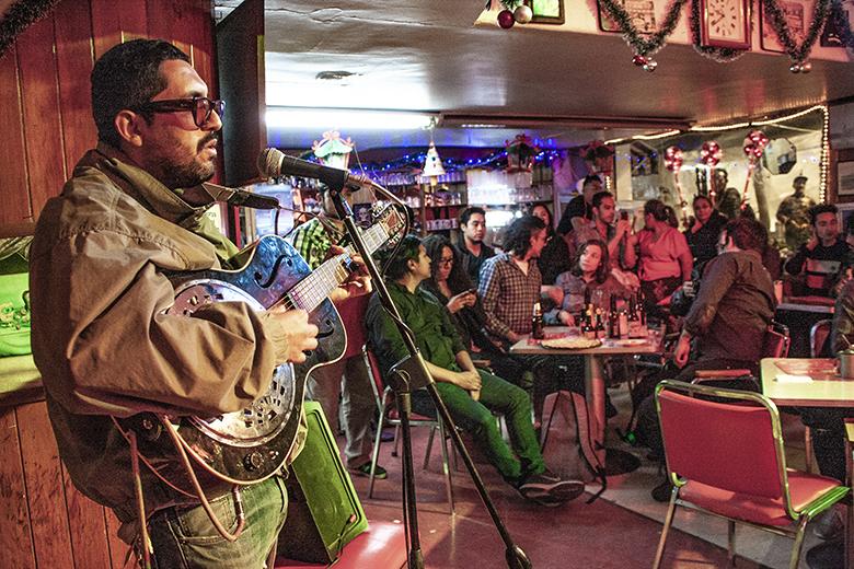 Salvando a La TreviCrónica - El rock se une contra la gentrificación, La Trevi, Cafetería, rock, gentrificación, Andy Mountains, Perro Mapache, Belafonte Sensacional, CDMX