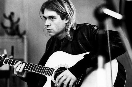 Kurt Cobain25 años después sigues siendo necesario, aunque te siga cagando, Kurt Cobain, Nirvana, 25 años de muerte, suicidio, punk, inconformidad