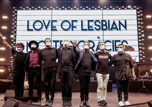 LOVE OF LESBIANOfrece concierto para 5000 personas - reseña, love of lesbian hace historia con primer concierto en pandemia con sana distancia