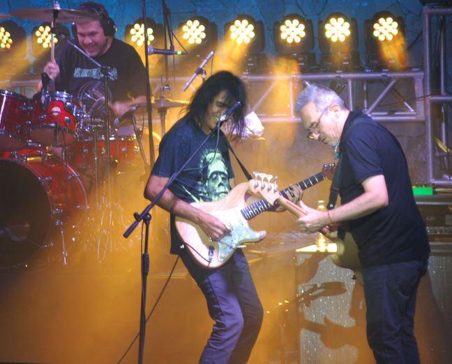 LOS ENANITOS VERDES EN PACHUCAReseña del concierto