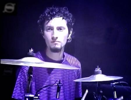 JULIO DÍAZFallece ex-baterista de Santa Sabina