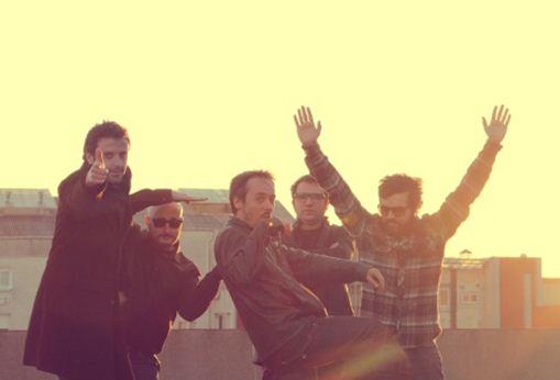 LOVE OF LESBIAN2 lanzamientos para cerrar el 2013,