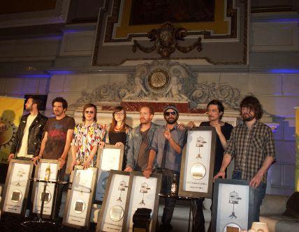 ZOÉRecibe disco de Platino y anuncia su gira