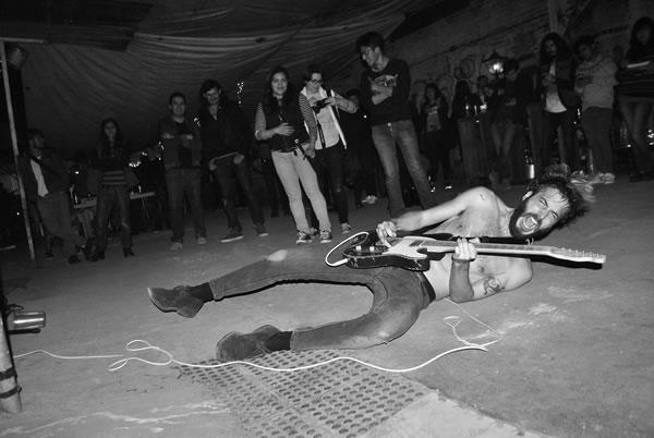 SEXY ZEBRAS, YOKOZUNAY grandes bandas en Claveria 22 - Reseña