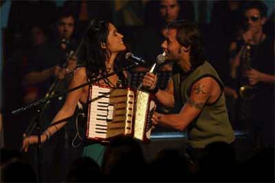 MTV PRESENTA DIEGO TORRES alternó con Julieta Venegas y Vicentico ,