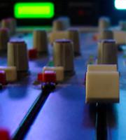si quieres grabar en un estudio  te en cuenta estos consejos.